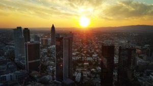jak-zaczac-zycie-w-niemczech-Frankfurt-praca